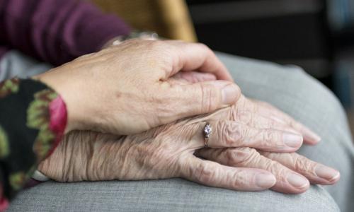 Увядание и конец жизни: шесть знаков зодиака, которых пугает старость