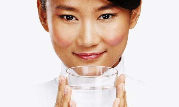 Каждый день пейте такую воду по полстакана: эффект удивит